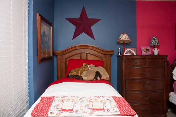 bedroom themes, boy girl shared bedroom, sibling bedroom, girl room ideas, boy room ideas, how to decorate a, around the house, organizing, parenting, children, kids, brother sister, Jennifer P. Williams, around the house