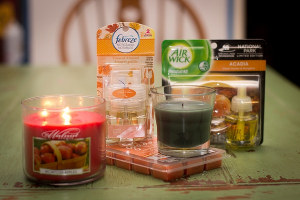 Seasonal scents help your home smell nice.